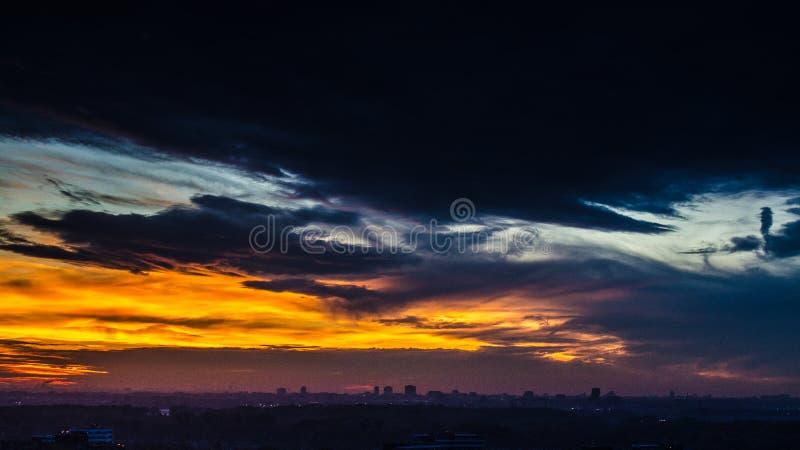 Solnedgånghorisont i San Francisco royaltyfria bilder