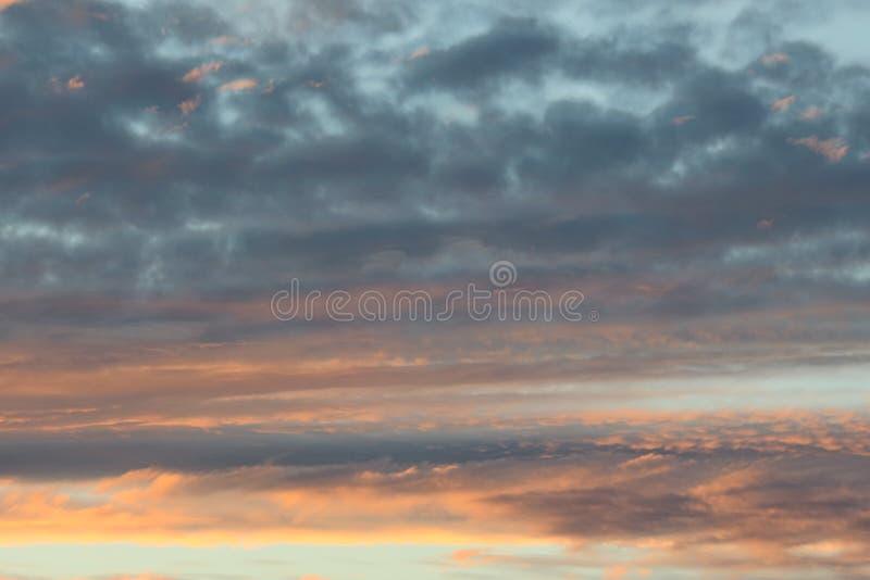 Solnedgångmoln royaltyfri bild