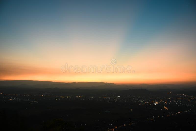 Solnedgångområden arkivbilder