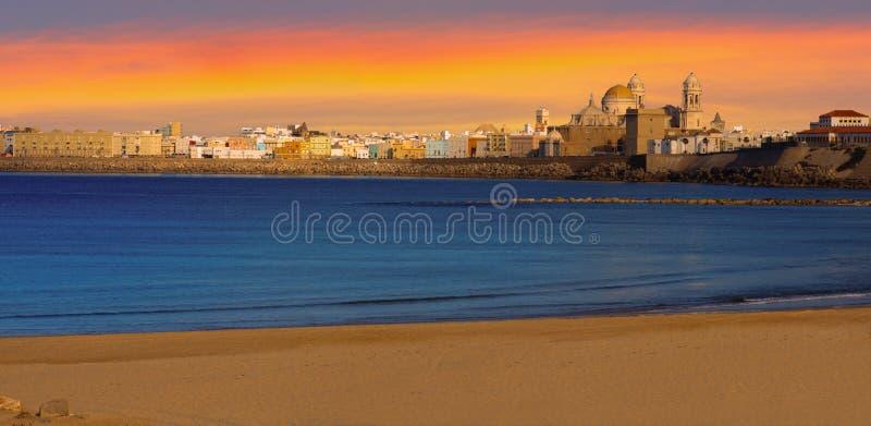 Solnedgångpanorama av Cadiz, Spanien royaltyfri fotografi