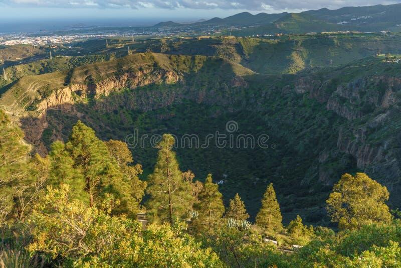 Solnedgångsikt på calderaen de Bandama, Gran Canaria, Spanien arkivfoton