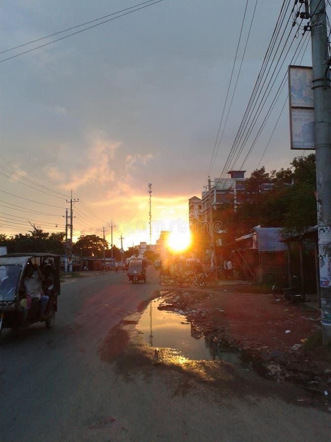 Solnedgångtid i Bangladesh royaltyfri foto