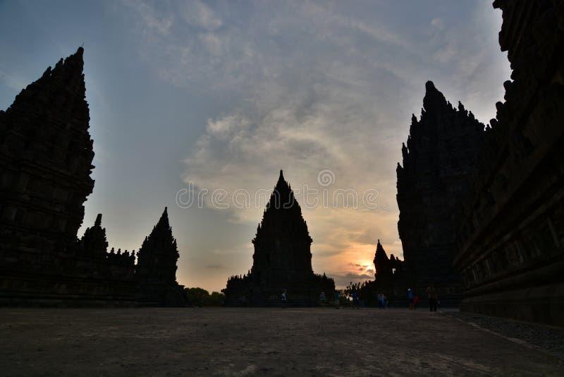 Solnedgångtid i Prambanan Yogyakarta region java Indonesien royaltyfri fotografi