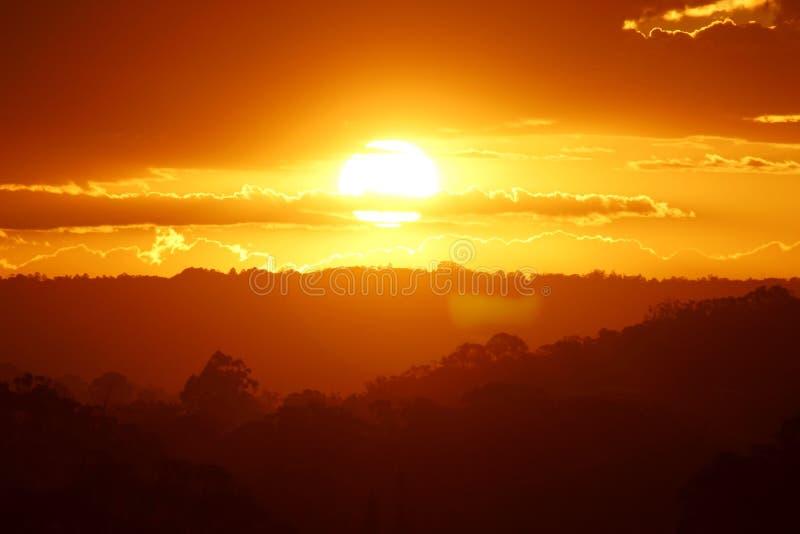 Solnedgångtid på solskenkusten royaltyfria foton