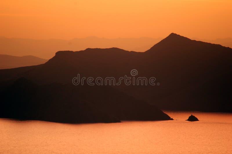 solnedgångtiticaca för 2 lake royaltyfria foton