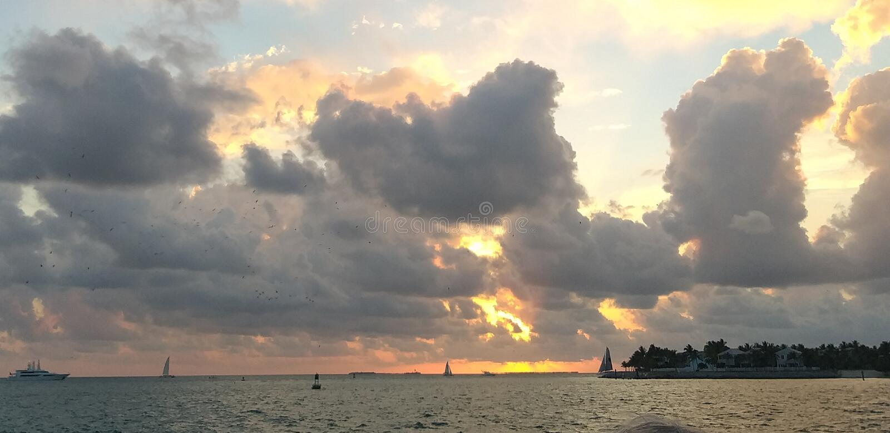 Solnedg?ng i Key West royaltyfri bild