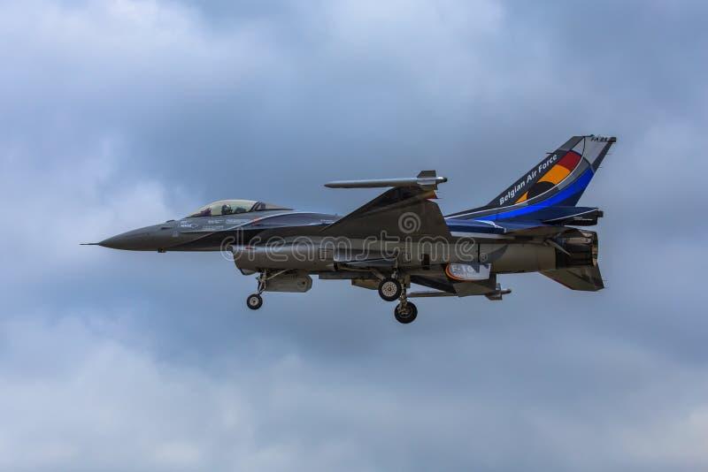 Solo- Anzeige der belgischen Demo F-16 lizenzfreie stockbilder