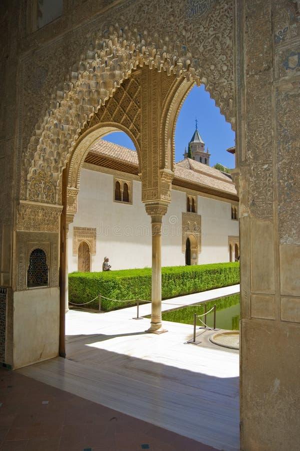 Solo arco en Alhambra - Granda, España imágenes de archivo libres de regalías