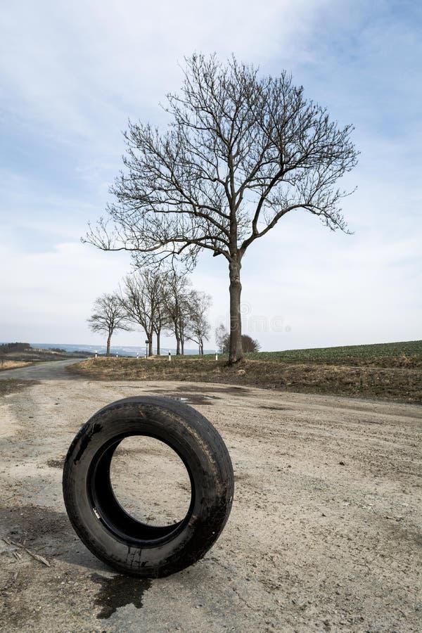 Solo neumático de coche foto de archivo libre de regalías