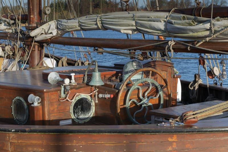 Solo volante de madera foto de archivo libre de regalías