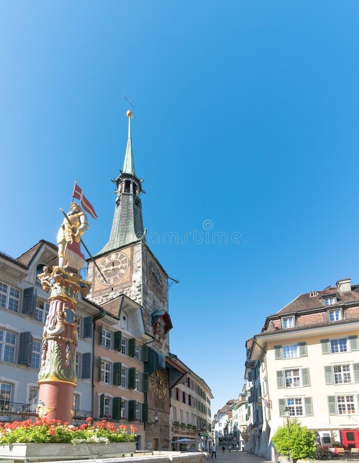 Solothurn, AINSI/Suisse - 2 juin 2019 : vieille ville historique dans la ville suisse de Solothurn avec vue sur le Marktplatz cél photos stock