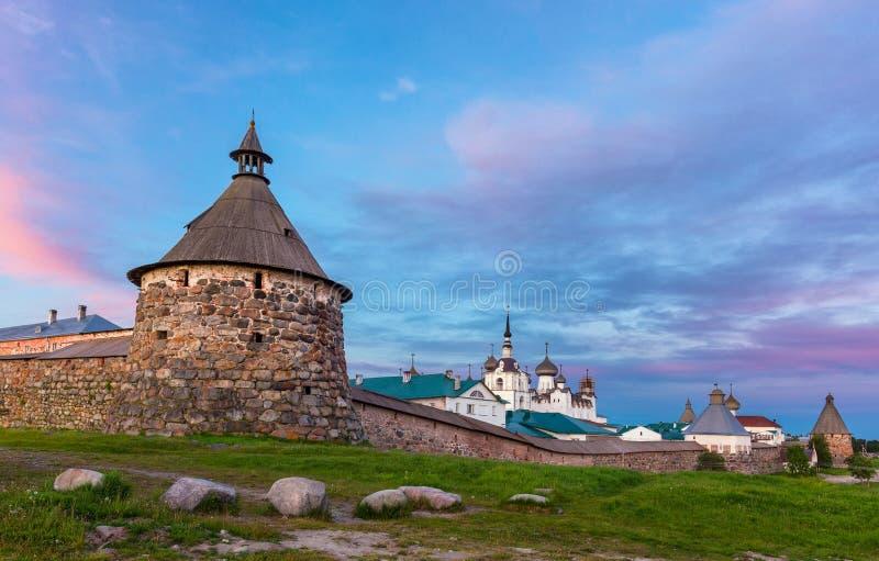 Solovetsky monaster w lecie na białej nocy obraz stock