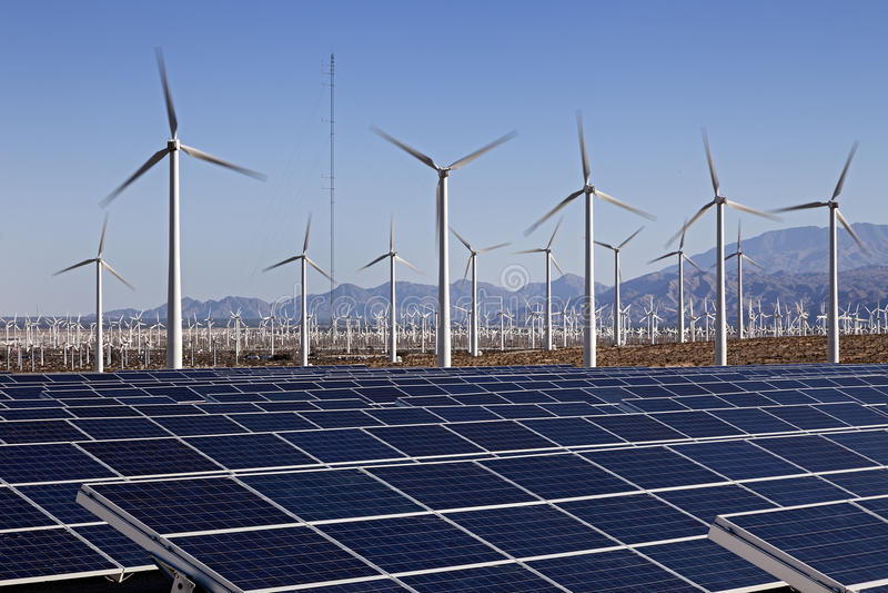 Solpanel- och för vindturbin makt royaltyfri bild