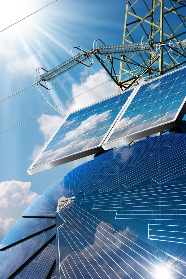 Solpaneler - kraftledning- och solstrålar royaltyfri foto