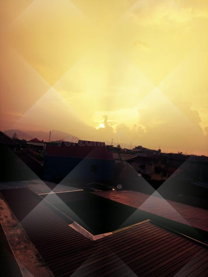 Solsidan i eftermiddag från taket royaltyfria bilder