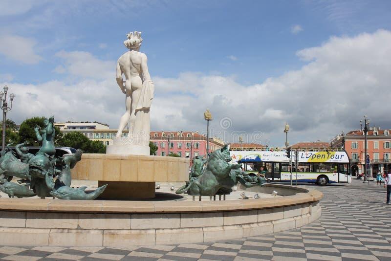 Solspringbrunn på, ställe Massena i fransk stad av Nice royaltyfri foto
