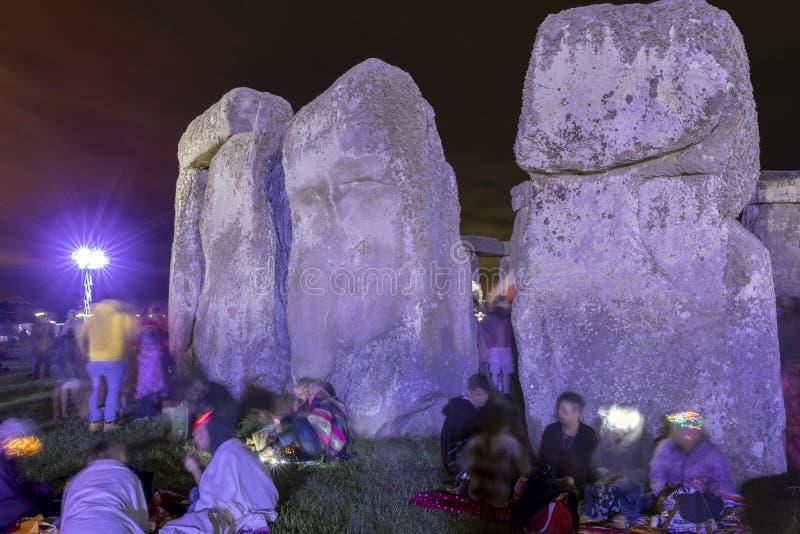 Solst?cio de ver?o em Stonehenge Inglaterra imagens de stock