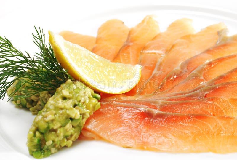 solted的开胃菜大西洋轻的三文鱼 免版税库存图片