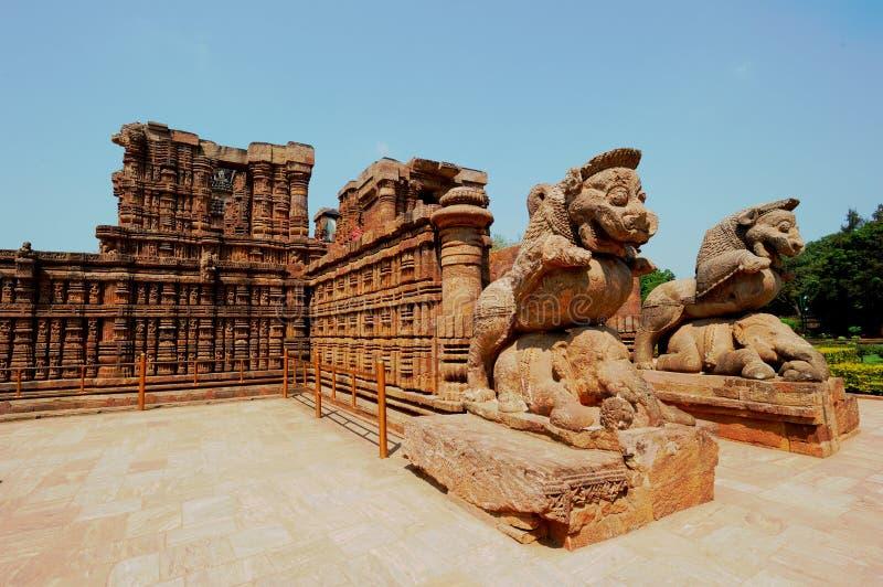 Soltempel nästan Puri, Indien royaltyfri bild
