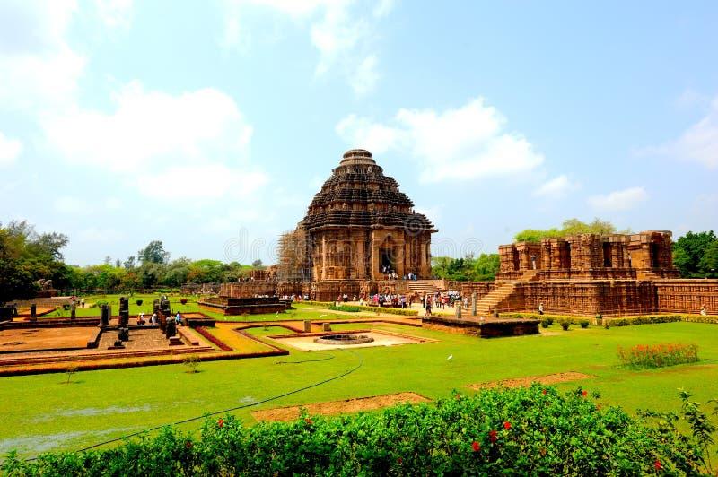 Soltempel nästan Puri, Indien arkivbilder