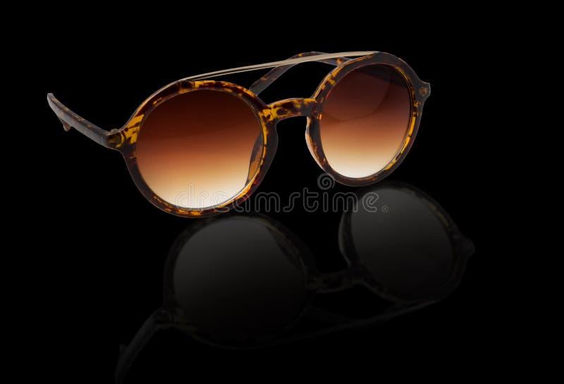 Soltse hermoso de las gafas de sol imagen de archivo libre de regalías