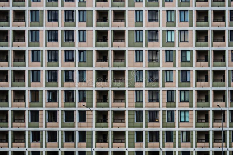 Soluções da fachada de construções residenciais novas foto de stock