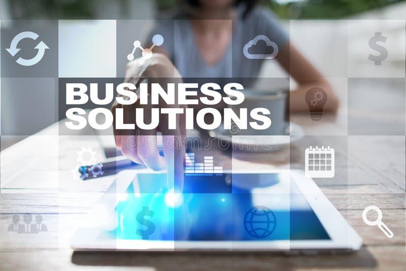 Soluciones del negocio en la pantalla virtual Concepto del asunto fotos de archivo