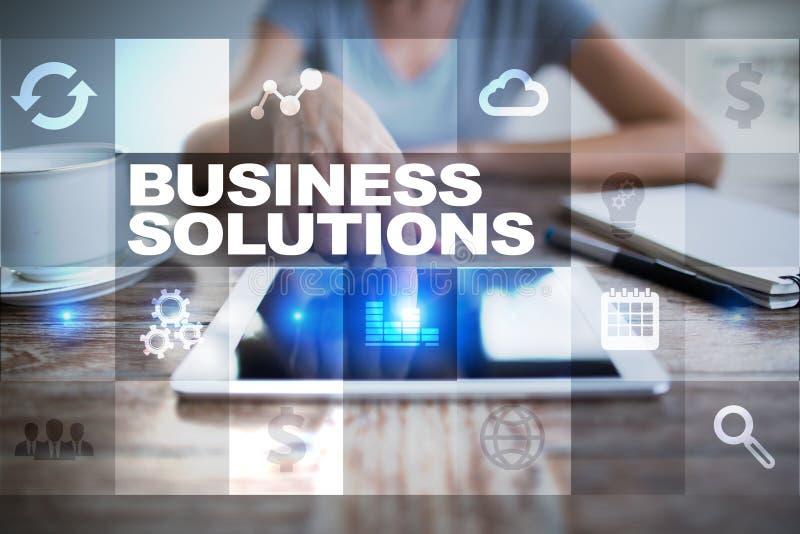 Soluciones del negocio en la pantalla virtual Concepto del asunto imágenes de archivo libres de regalías