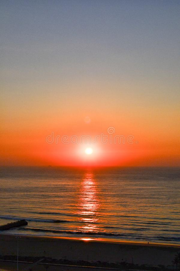 Soluppgång över Indiska oceanen royaltyfri bild