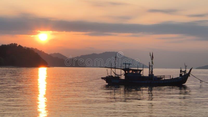1 soluppgång fotografering för bildbyråer