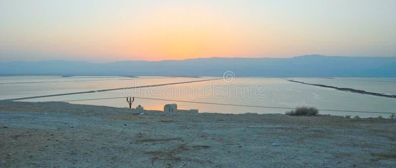 Soluppgång av det over döda havet royaltyfri bild