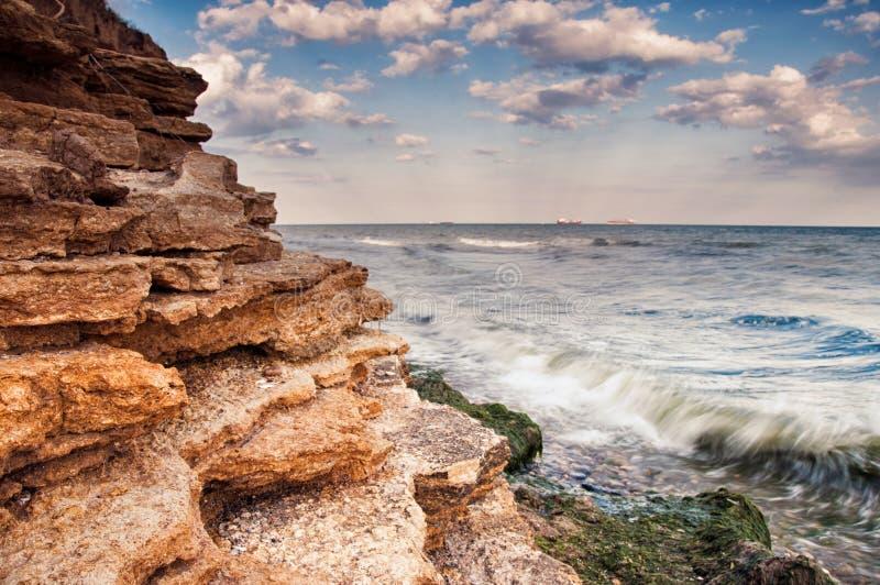 Soluppgång för havskust i Chabanka Odesa Ukraina royaltyfri bild