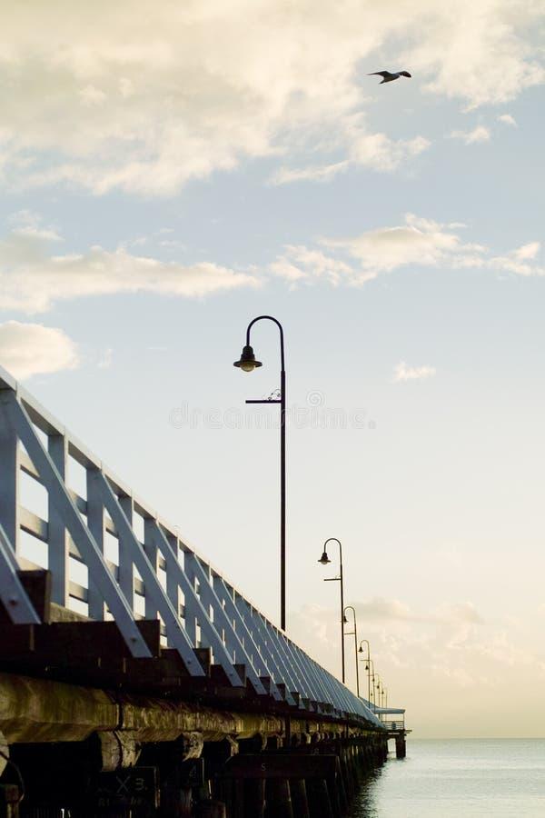 soluppgång för pirserieshorncliffe arkivbild