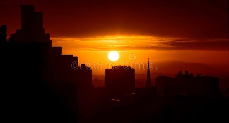 soluppgång för stadsbegreppsEuropa afton royaltyfri fotografi