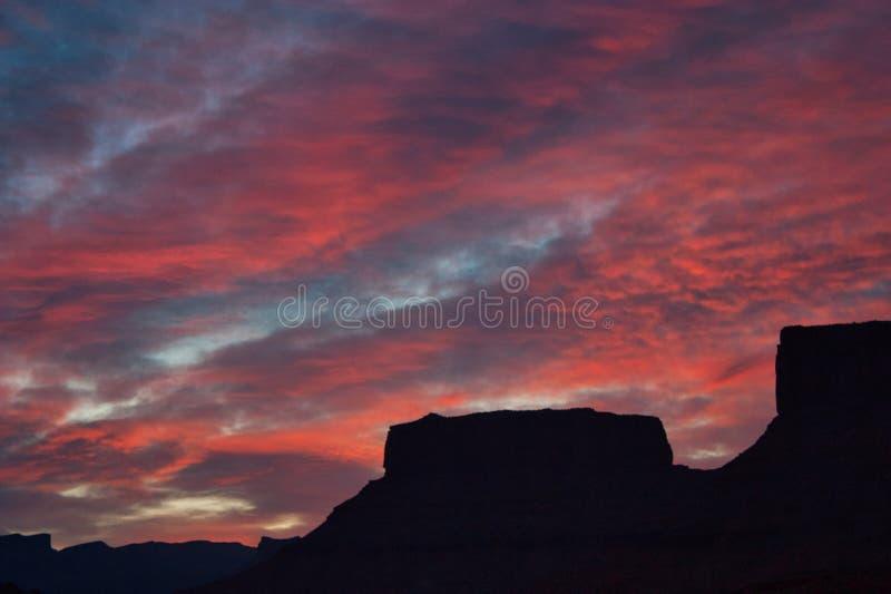 Soluppgång från röd klippaloge royaltyfri foto