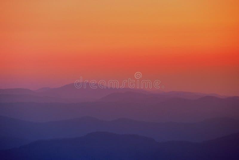 Soluppgång: Great Smoky Mountains nationalpark arkivbilder