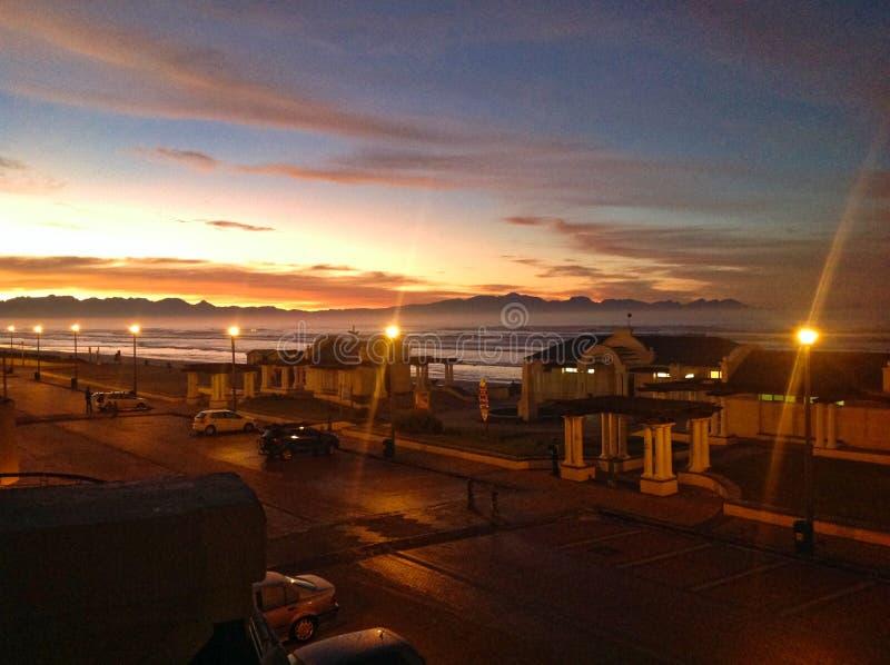 Soluppgång i Cape Town sydliga hav royaltyfria foton