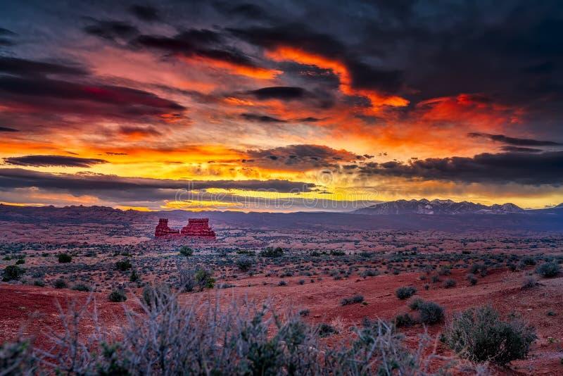 Soluppgång i den Utah öknen royaltyfri bild