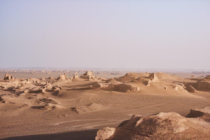 Soluppgång i Lut Desert royaltyfria bilder