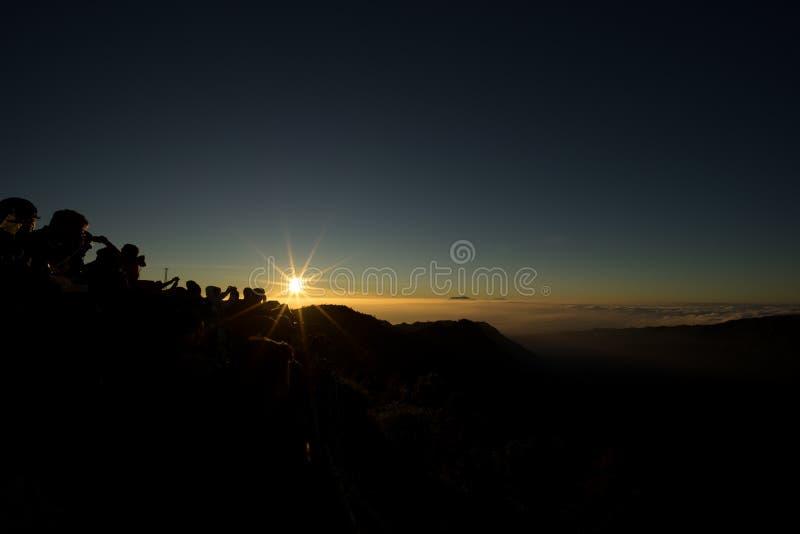 Soluppgång i morgonen arkivbild