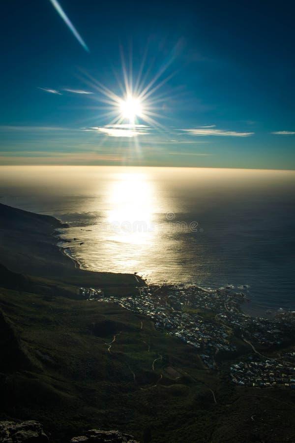 Soluppgång i Sydafrika tabeberg arkivfoto