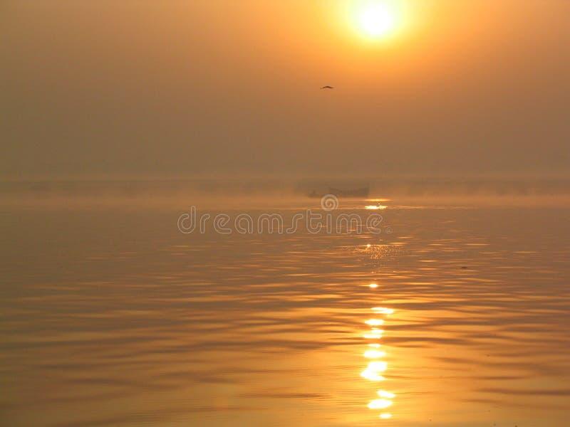 Soluppgång i Varanasi royaltyfria foton