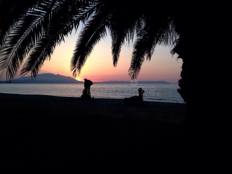 Soluppgång i Vrasna Grekland arkivbilder