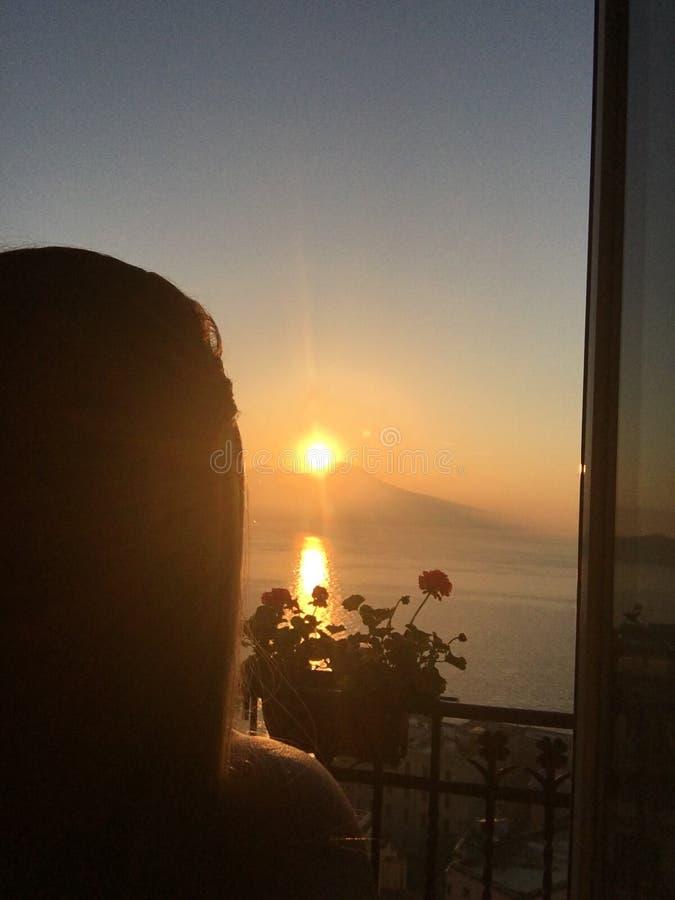Soluppgång Naples arkivfoton