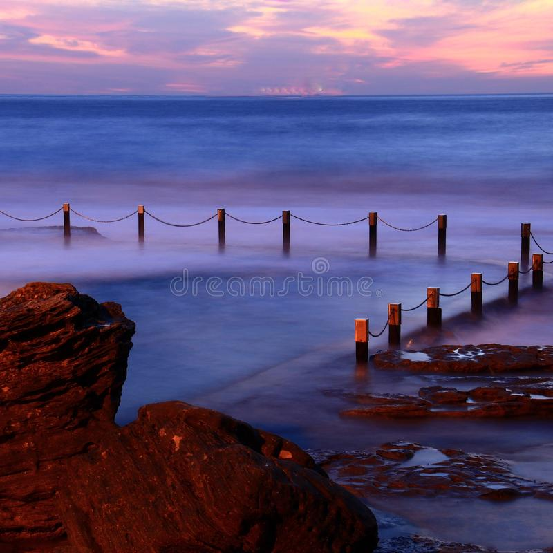 Soluppgång på Maroubra NSW arkivfoton