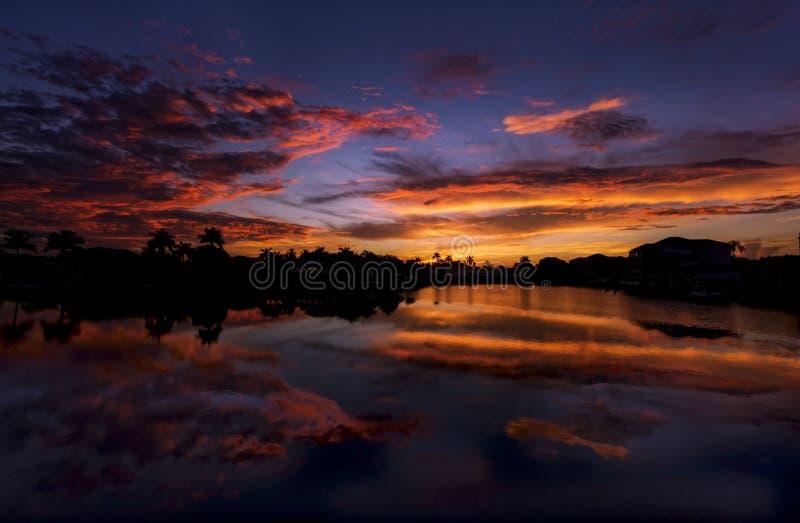 Soluppgång på Naples, Florida arkivbild