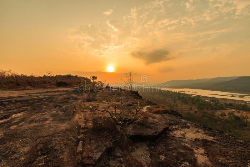 Soluppgång på Pha Taem Thailand royaltyfri fotografi