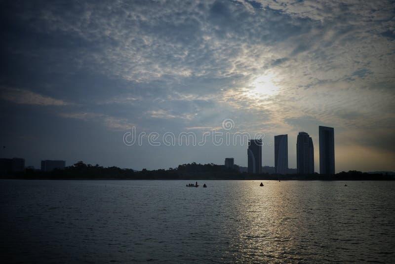 Soluppgång på Putrajaya royaltyfri fotografi