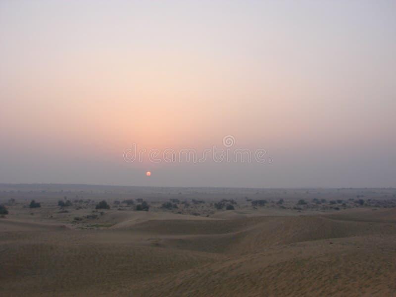 Soluppgång på sand Dunes3, Jaisalmer, Rajasthan royaltyfria foton