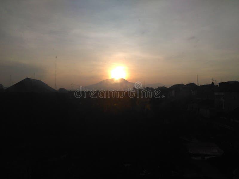 Soluppgång på Surakarta arkivfoto